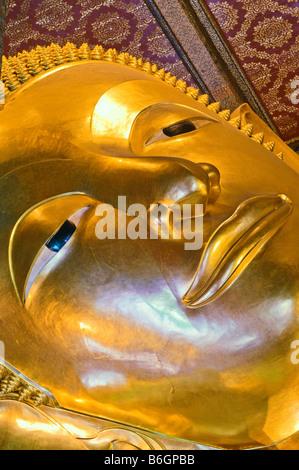 reclining buddha wat pho bangkok thailand