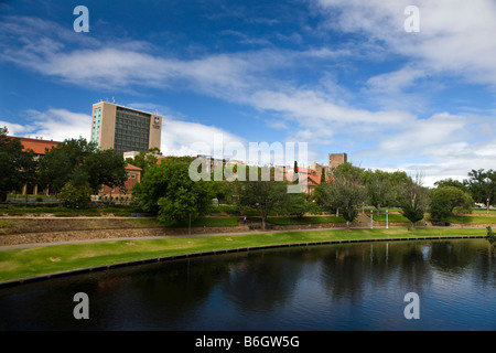 The University of Adelaide sits behind the Torrens River, Adelaide, South Australia, Australia - Stock Photo