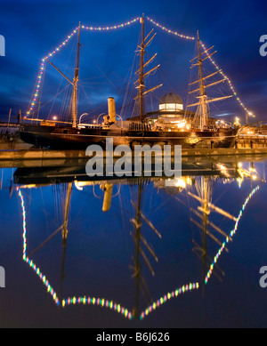 The vessel Discovery in dock at Dundee in Scotland. - Stock Photo