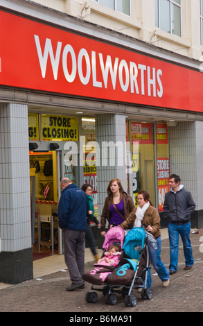 This Woolworths store opened in 1923 Aberdare South Wales UK as with others in the group it is in the process of - Stock Photo