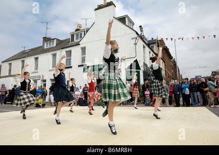 Traditional Scottish Dancing at Castle Douglas Food Town Day, Dumfries & Galloway, Scotland - Stock Photo