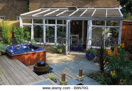 private garden London Design Kristina Fitzsimmons small