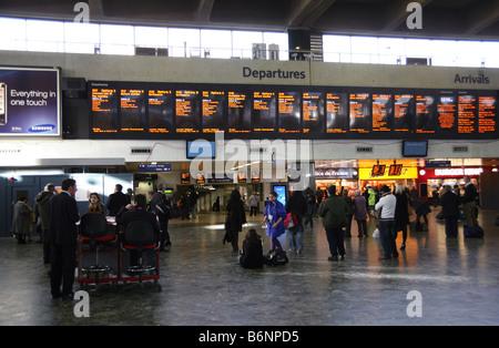 Concourse of Euston railway station, London - Stock Photo