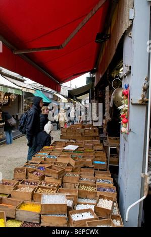 Marche aux puces de saint ouen flea market paris stock photo royalty free image 24889941 alamy - Marche porte de clignancourt ...