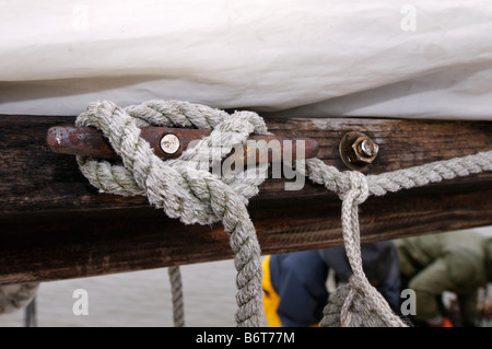 Annapolis Maryland, the last day of oyster season aboard the Skipjack Helen Virginia. - Stock Photo