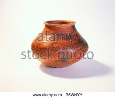 [Tusayan Black on red] jar [Kayenta Anasazi] culture Jar dates from A D 1050 1150 Navajo National Monument Arizona - Stock Photo