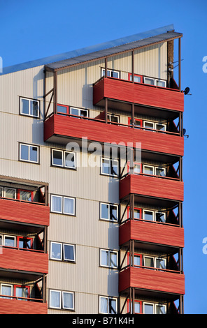 byker wall 70s modern architecture newcasle upon tyne housing multi storey angular new council building - Stock Photo