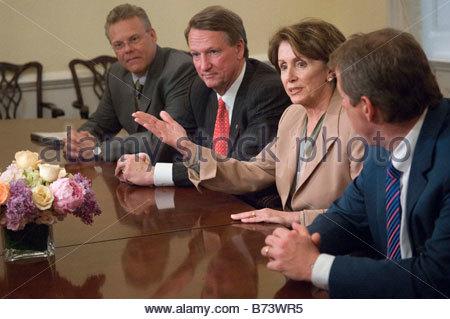 05 18 06 Tom LaSorda left president and CEO of DaimlerChrysler AG s Chrysler Group General Motors Corp Chairman - Stock Photo