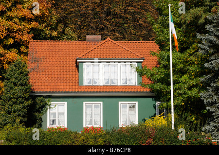 Einfamilienhaus Neumühlen Hamburg Deutschland One family house Neumuehlen Hamburg Germany - Stock Photo