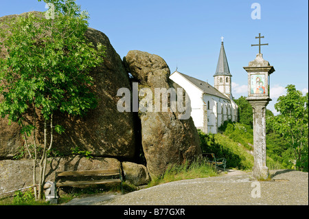 Wayside shrine in front of the parish church St. Thomas with the Bucklwehluckn, Unterer Burgstall, St. Thomas am - Stock Photo