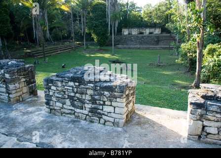 The ruins of the 'Grupo del Palacio'on archaeological site of Aguateca. Northern Guatemala. - Stock Photo