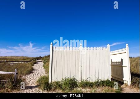 Dune path leading to the beach and public bathroom, Crosby Beach, Brewster, Cape Cod, Massachusetts, USA - Stock Photo