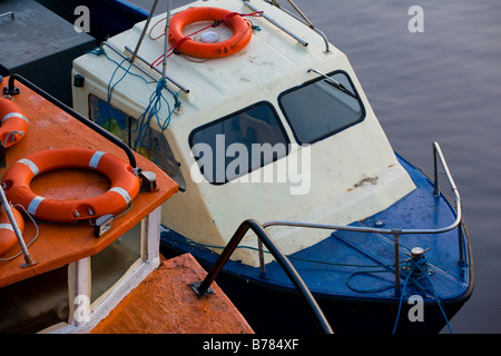 England, Tyne and Wear, Newcastle Upon Tyne. Detail of boats moored on the River Tyne. - Stock Photo