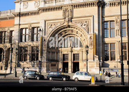 Main entrance of the Victoria and Albert Museum V&A London UK - Stock Photo