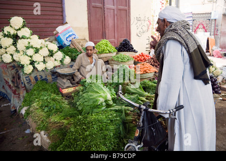 Luxor, Egypt, North Africa. Fruit and vegetable stall in the bazaar - Stock Photo