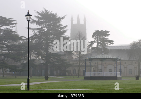 Pump Room Gardens and All Saints Parish Church in winter fog, Leamington Spa, UK - Stock Photo