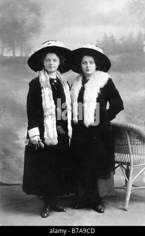 Historic photo, twins, ca. 1915 - Stock Photo