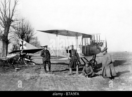 Historic photo, First World War, air force, 'German airplane anchored on a tree stump in the Polish lowlands. Both - Stock Photo