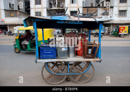 Cart for preparing food in Ahmedabad, Gujarat, India. - Stock Photo