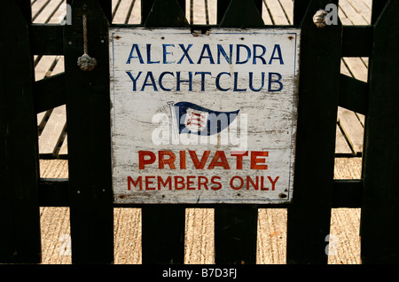 A sign in Southend, Essex, announcing 'Alexandra Yacht Club - Private, Members Only'. - Stock Photo