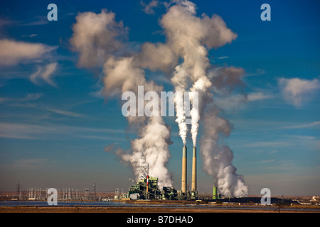 A coal-fired electric power plant in Arizona in the southwest of the United States - Stock Photo