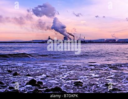 Industrial coastline at Teeside - Stock Photo