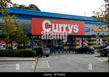 A retail park branch of Curries, the electrical superstore, taken from the car park and showing the large sign over - Stock Photo