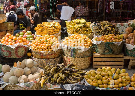 Piles of fruit at the busy Friday market in Solola, Guatemala - Stock Photo