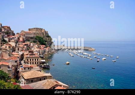 Town, harbour and Ruffo Castle in Scilla, province of Reggio Calabria, region of Calabria, southern Italy, on Messina - Stock Photo