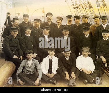 ROALD AMUNDSEN Norwegian polar explorer centre middle row in bowler hat heading home to Norway after reaching South - Stock Photo