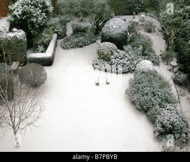 GB - GLOUCESTERSHIRE: Wintry Garden Scene at Parkgate, Cheltenham - Stock Photo