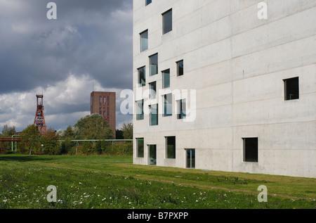 Essen Zeche Zollverein Zollverein School of Management and Design erste Gebäude der Architekten Kazuyo Sejima und - Stock Photo