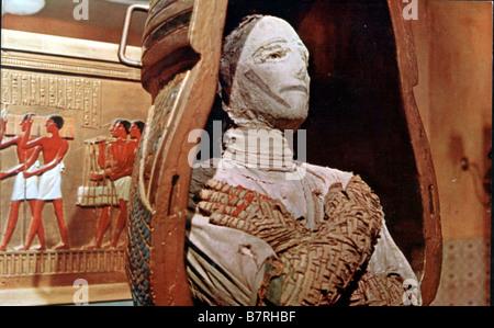 Dans les griffes de la momie Mummy's Shroud, The  Year: 1967 - UK Eddie Powell  Director: John Gilling - Stock Photo