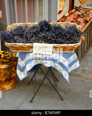 Basket full of lavender bouquets, Aigues Mortes, France, Europe - Stock Photo