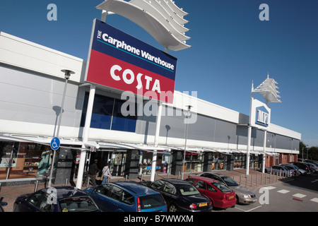 Terrace of shop units, Birstall Shopping Park, West Yorkshire - Stock Photo