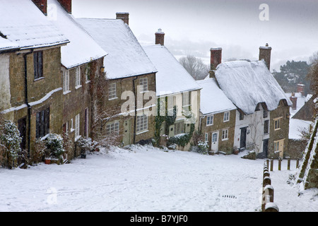 Winter Snow on Gold Hill at Shaftesbury in Dorset - Stock Photo