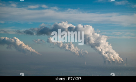 Ferrybridge, Eggborough and Drax Coal Fired Power Stations, Yorkshire, Northern England - Stock Photo