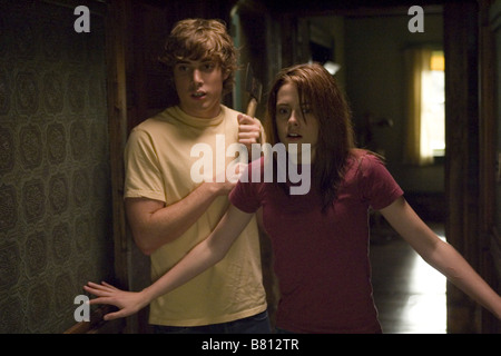 The Messengers  Year: 2007 USA Dustin Milligan, Kristen Stewart  Director: Oxide Pang, Danny Pang - Stock Photo
