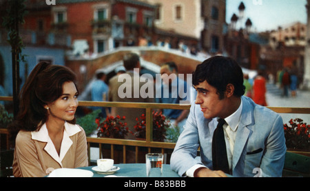 Mardi , c'est donc la Belgique If It's Tuesday, This Must Be Belgium (1969) USA Suzanne Pleshette , Ian McShane - Stock Photo