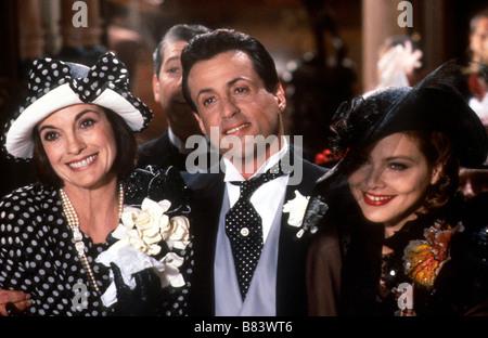 L'embrouille est dans le sac Oscar (1991) USA Linda Gray, Sylvester Stallone, Ornella Muti  Director: John Landis - Stock Photo