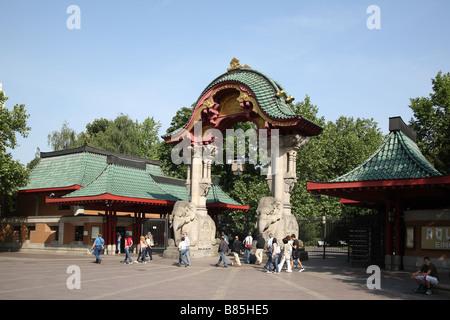 Berlin Elefantentor Elephant Gate Budapester Strasse Street Str - Stock Photo