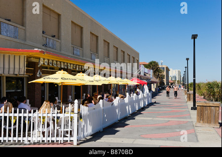 Cafe/Bar on the Promenade at Jacksonville Beach, Florida, USA - Stock Photo