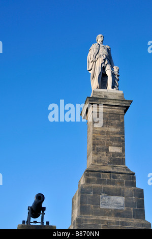 Collingwood Monument Admiral Lord Collingwood. Born the son of a Newcastle merchant in 1748, Cuthbert Collingwood - Stock Photo