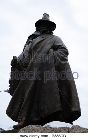 Roger Conant who is the founder of Salem MA This statue is located next to the Salem Witch Museum in Salem Massachusetts - Stock Photo