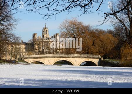 'St John's' College and 'Trinity Bridge', Cambridge, England, UK. - Stock Photo