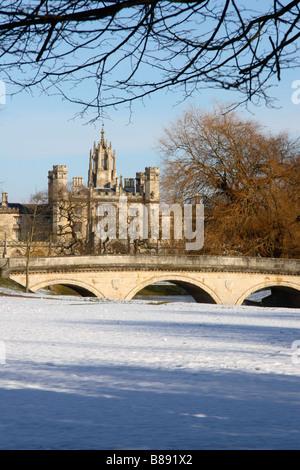 'St John's' College and 'Trinity Bridge' Cambridge, England, UK. - Stock Photo