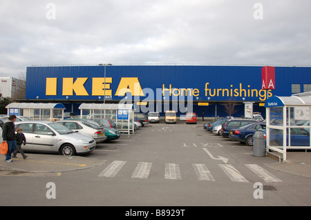 Dh ikea superstore europe ikea car park flags and shop for Ikea shops london