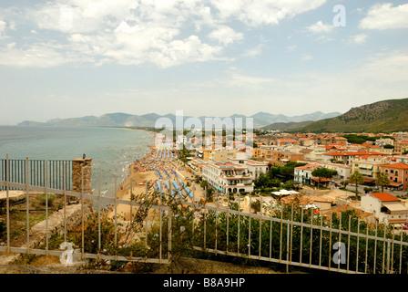 A fine view from Via Terrazzo to the La Riviera Ponente beach of the small coastal town of Sperlonga, Lazio, Italy, - Stock Photo