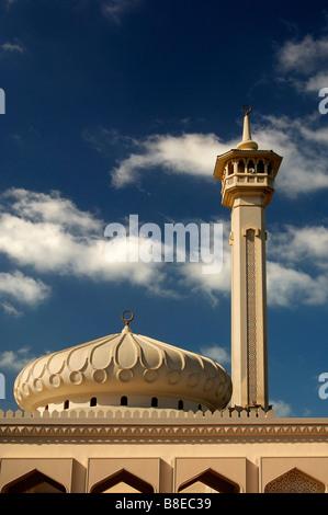 Dome and minaret of a newly built mosque in the Bastakiya quarter of the old town of Bur Dubai, Dubai, United Arab - Stock Photo