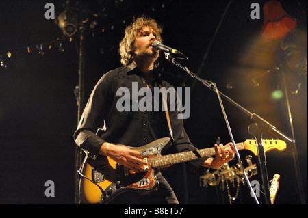 Brother and sister, new band, Joe Gideon and The Shark gig at Wolverhampton, January 2009. Joe on guitar. - Stock Photo